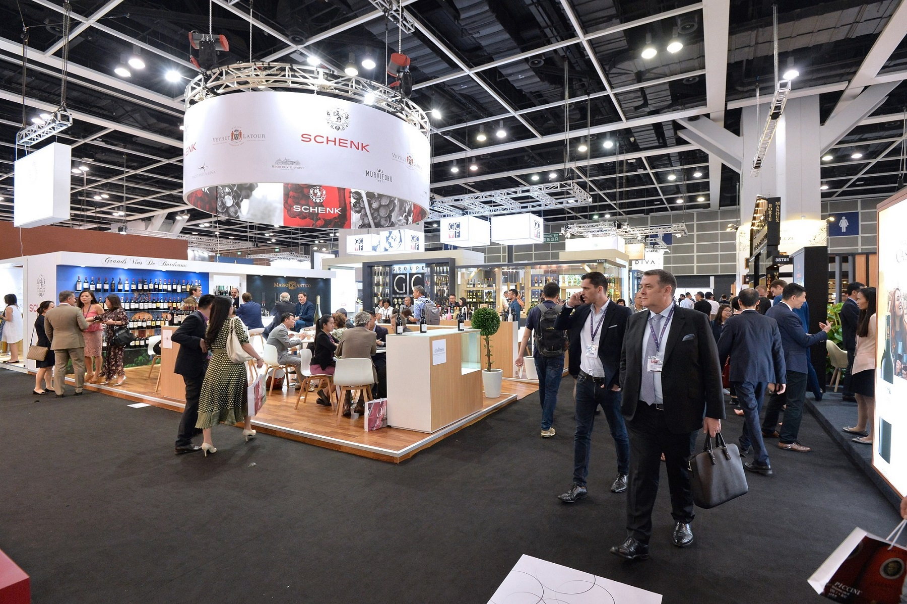 Vinexpo Hong Kong, one of the HKCEC's recurrent exhibitions, celebrated its presence in Hong Kong and the HKCEC for 20 years.